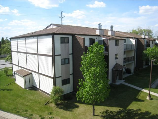 Main Photo: 7 BURLAND Avenue in WINNIPEG: St Vital Condominium for sale (South East Winnipeg)  : MLS®# 1009537