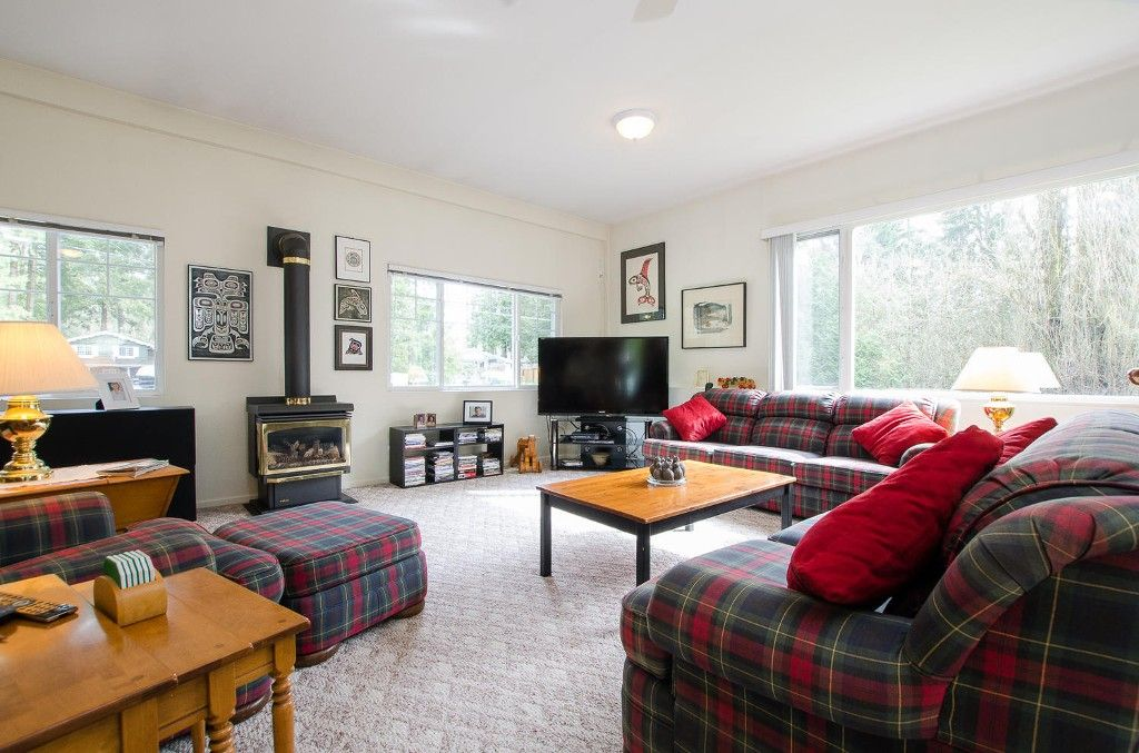 Photo 12: Photos: 24700 50 Avenue in Langley: Salmon River House for sale