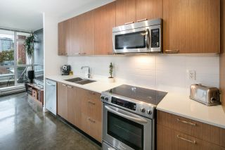"""Photo 7: 405 221 UNION Street in Vancouver: Mount Pleasant VE Condo for sale in """"V6A"""" (Vancouver East)  : MLS®# R2115784"""
