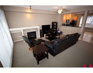 """Photo 3: 81 7155 189TH Street in Surrey: Clayton Townhouse for sale in """"BACARA"""" (Cloverdale)  : MLS®# F2907169"""