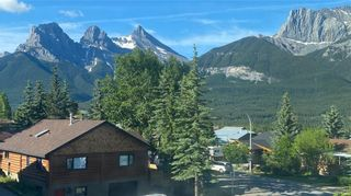 Photo 2: 302 Pioneer Road: Canmore Detached for sale : MLS®# A1130498
