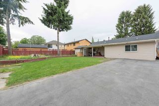 Photo 1: 13090 72 Avenue in Surrey: West Newton House for sale : MLS®# R2154059
