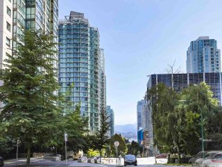 "Photo 21: 2106 1331 W GEORGIA Street in Vancouver: Coal Harbour Condo for sale in ""The Pointe"" (Vancouver West)  : MLS®# R2504782"