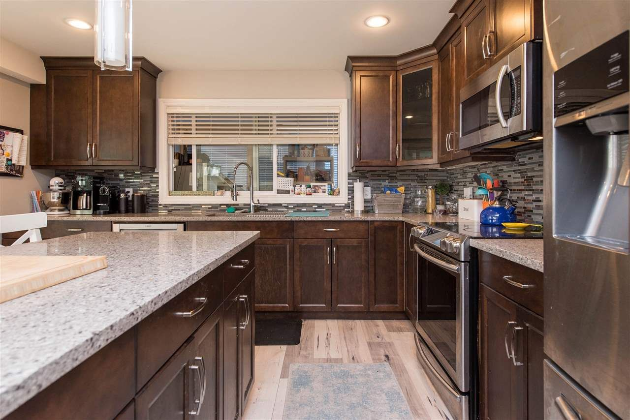 Photo 21: Photos: 2584 SUNNYSIDE Crescent in Abbotsford: Abbotsford West House for sale : MLS®# R2551772