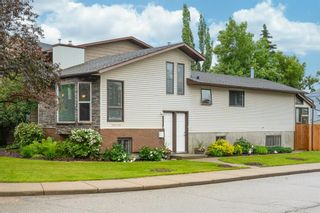 Photo 1: 2339 2 Avenue NW in Calgary: West Hillhurst Detached for sale : MLS®# A1040812