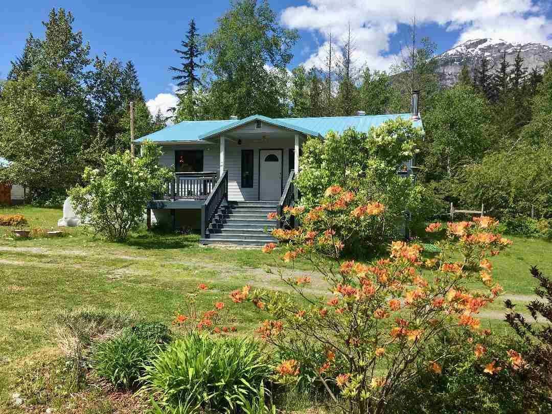 Main Photo: 2314 SALOOMPT Road in Bella Coola: Bella Coola/Hagensborg House for sale (Williams Lake (Zone 27))  : MLS®# R2582584