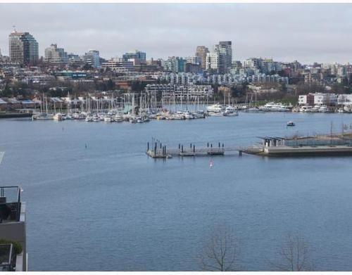 Main Photo: 1005 1383 MARINASIDE Crescent in Vancouver West: Home for sale : MLS®# V811578