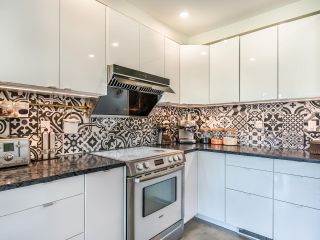 """Photo 12: 307 1502 ISLAND PARK Walk in Vancouver: False Creek Condo for sale in """"The Lagoons"""" (Vancouver West)  : MLS®# R2606940"""