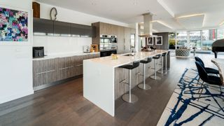 """Photo 5: 701 151 ATHLETES Way in Vancouver: False Creek Condo for sale in """"CANADA HOUSE ON THE WATER"""" (Vancouver West)  : MLS®# R2617164"""