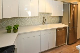 "Photo 7: 406 1157 NELSON Street in Vancouver: West End VW Condo for sale in ""HAMPSTEAD HOUSE"" (Vancouver West)  : MLS®# R2528875"