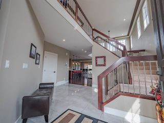 Photo 2: 425 Windermere Road in Edmonton: Zone 56 House for sale : MLS®# E4225658
