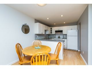 Photo 3: 315 450 BROMLEY Street in Coquitlam: Coquitlam East Condo for sale : MLS®# R2068910