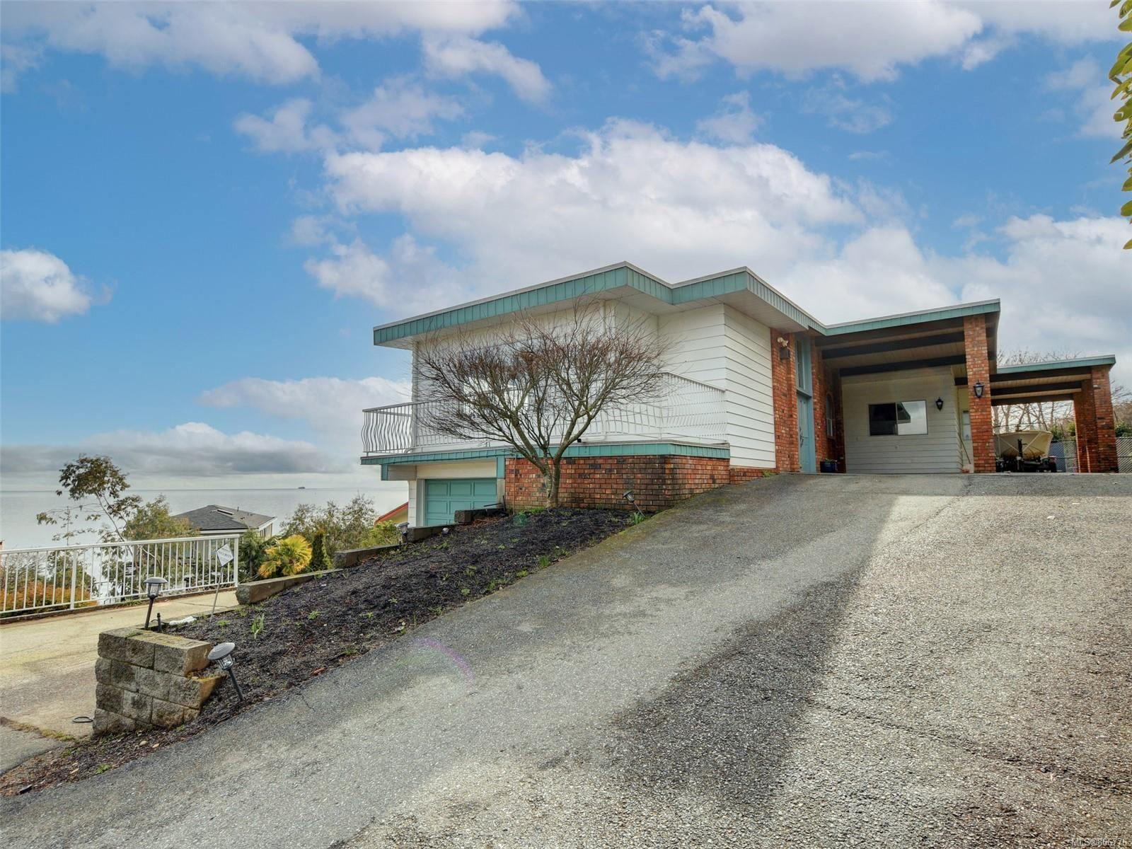 Main Photo: 3512 Aloha Ave in : Co Lagoon House for sale (Colwood)  : MLS®# 866776