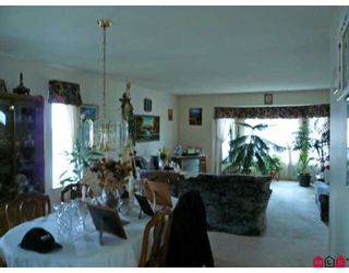 Photo 5: 15263 93A Avenue in Surrey: Fleetwood Tynehead House for sale : MLS®# F2904443