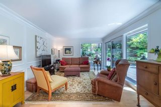 """Photo 2: 405 1405 W 15TH Avenue in Vancouver: Fairview VW Condo for sale in """"Landmark Grand"""" (Vancouver West)  : MLS®# R2580108"""