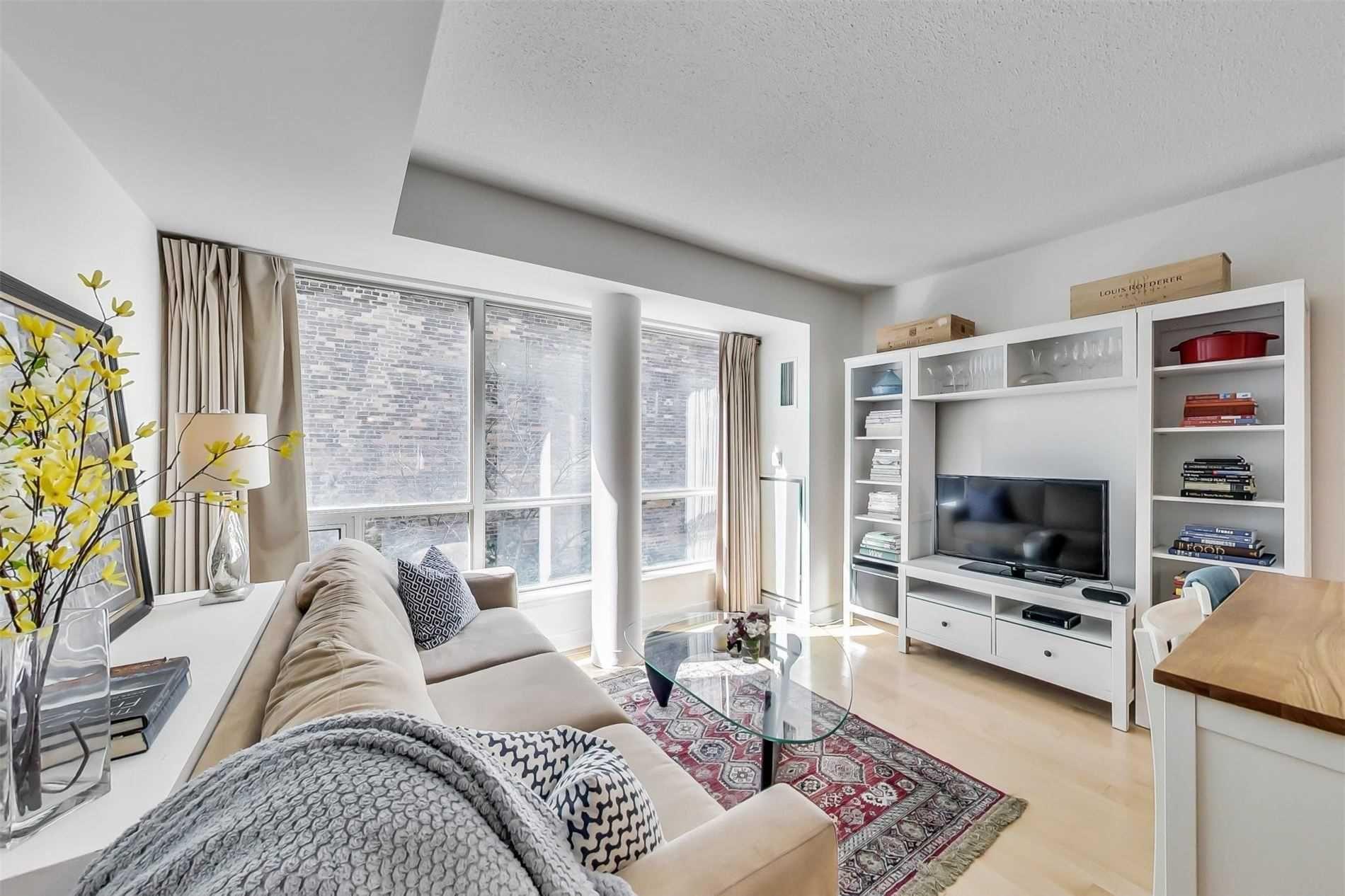 Main Photo: M15 350 W Wellington Street in Toronto: Waterfront Communities C1 Condo for sale (Toronto C01)  : MLS®# C5144752