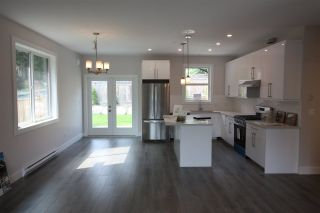 """Photo 4: 6065 ROSEWOOD Place in Sechelt: Sechelt District House for sale in """"THE WOODLANDS"""" (Sunshine Coast)  : MLS®# R2452597"""
