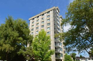 """Photo 1: 904 2165 W 40TH Avenue in Vancouver: Kerrisdale Condo for sale in """"The Veronica"""" (Vancouver West)  : MLS®# R2172373"""