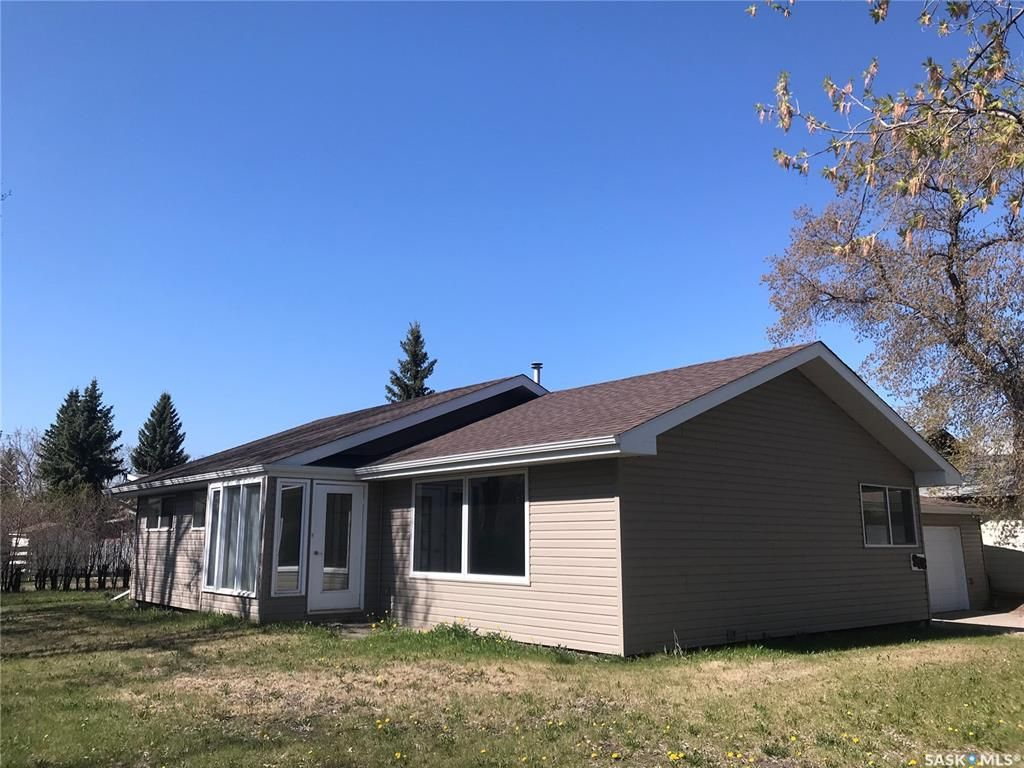 Main Photo: 908 105th Avenue in Tisdale: Residential for sale : MLS®# SK856636