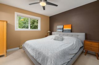 Photo 10: 42025 GOVERNMENT Road: Brackendale House for sale (Squamish)  : MLS®# R2615355