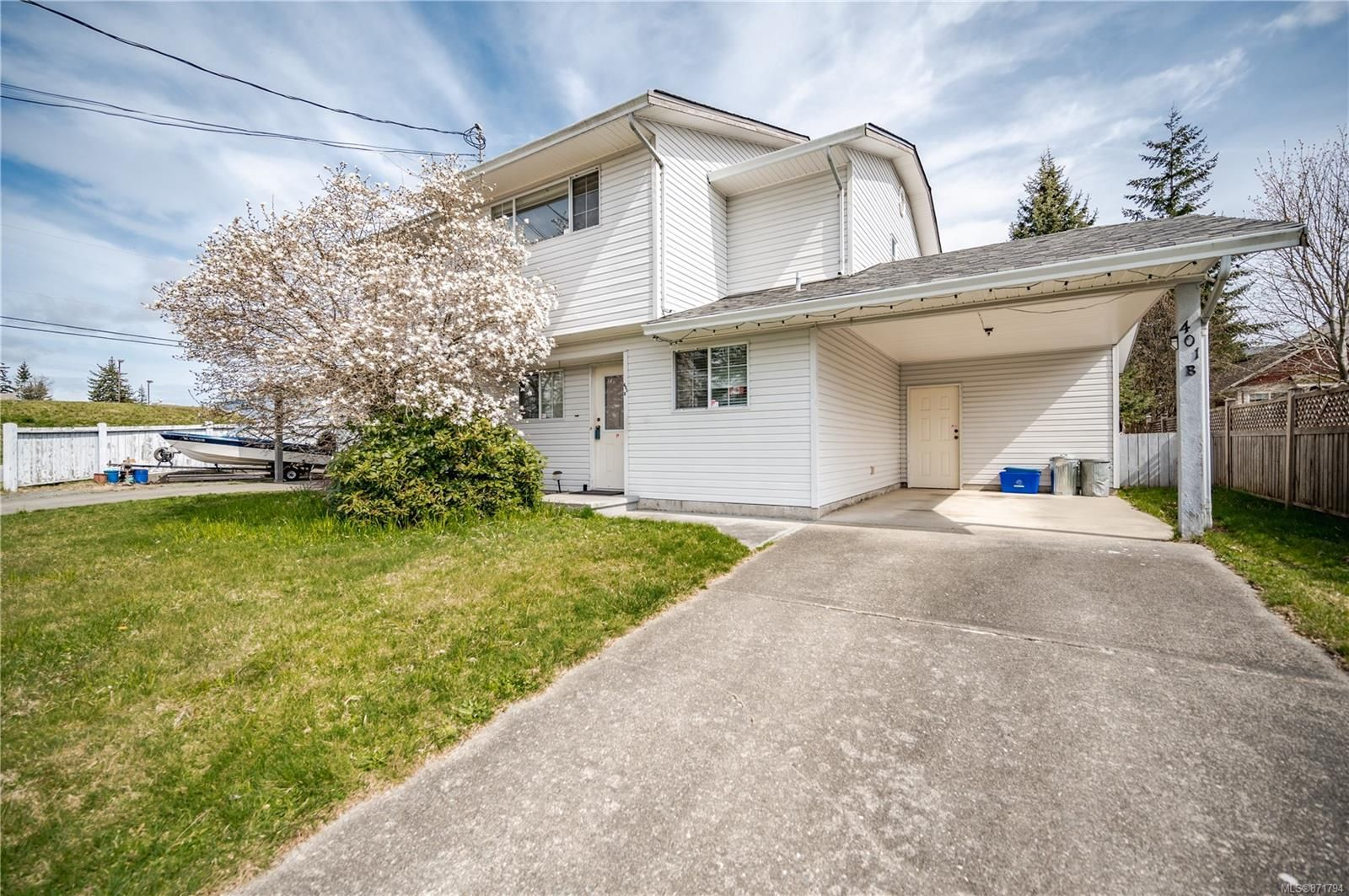 Main Photo: B-401 Quadra Ave in : CR Campbell River Central Half Duplex for sale (Campbell River)  : MLS®# 871794