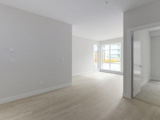 "Photo 4: 107 1768 GILMORE Avenue in Burnaby: Brentwood Park Condo for sale in ""Escala"" (Burnaby North)  : MLS®# R2398718"