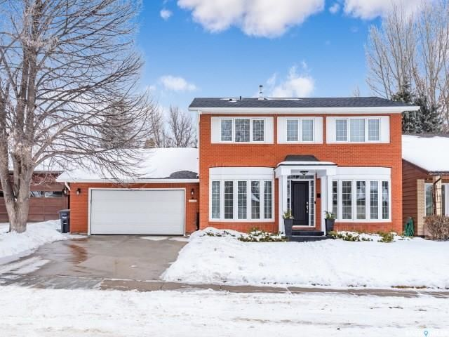 Main Photo: 551 Tobin Crescent in Saskatoon: Lawson Heights Residential for sale : MLS®# SK798034