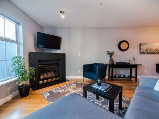 """Photo 3: 204 137 E 1ST Street in North Vancouver: Lower Lonsdale Condo for sale in """"The Coronado"""" : MLS®# R2530458"""