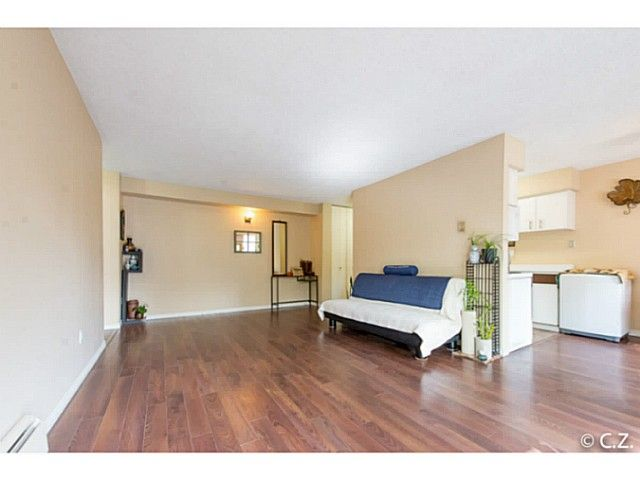 Main Photo: 21 2441 KELLY Avenue in Port Coquitlam: Central Pt Coquitlam Condo for sale : MLS®# V1120570