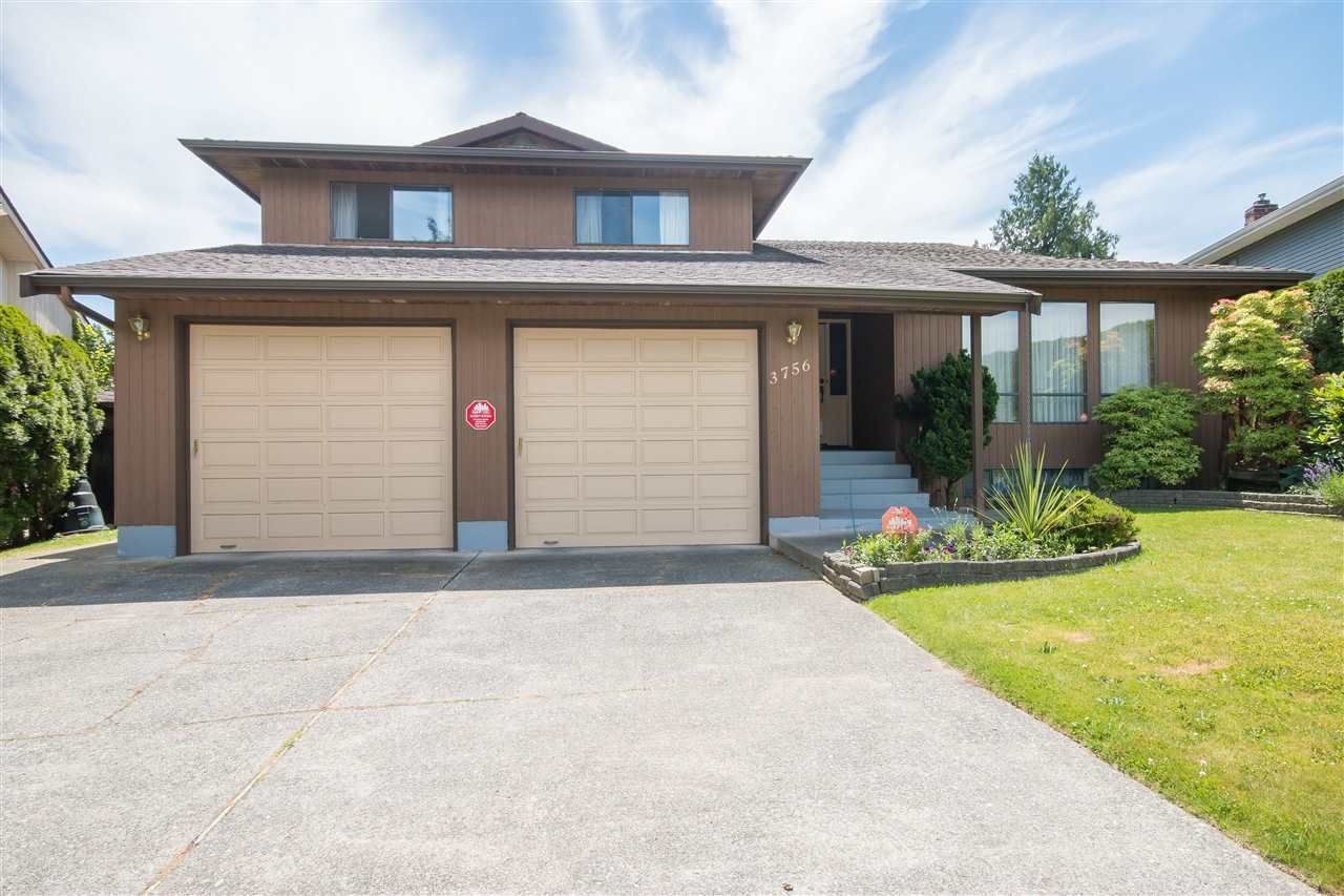Main Photo: 3756 BALSAM Crescent in Abbotsford: Central Abbotsford House for sale : MLS®# R2083216