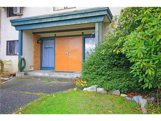 Main Photo: 305 4695 IMPERIAL STREET in : Metrotown Condo for sale : MLS®# V1098527