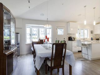 """Photo 13: 587 W KING EDWARD Avenue in Vancouver: Cambie Townhouse for sale in """"JAMES RESIDENCE"""" (Vancouver West)  : MLS®# R2537952"""