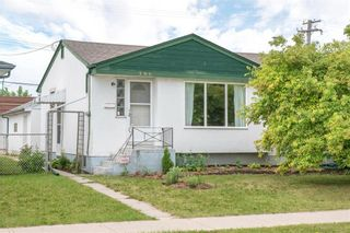 Main Photo: 386 Chalmers Avenue in Winnipeg: Elmwood Residential for sale (3A)  : MLS®# 202115145