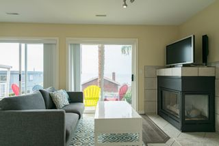 Photo 35:  in White Rock: Home for sale : MLS®# R2166390