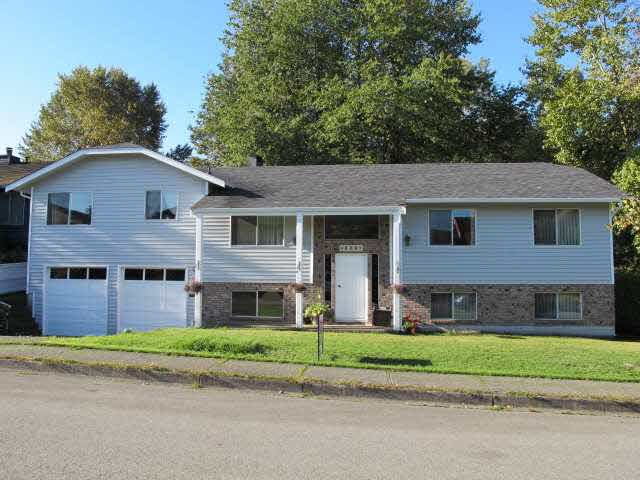 Main Photo: 480 GLENBROOK Drive in NEW WEST: Fraserview NW House for sale (New Westminster)  : MLS®# V1143360