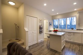 """Photo 2: 39 3039 156 Street in Surrey: Grandview Surrey Townhouse for sale in """"Niche"""" (South Surrey White Rock)  : MLS®# R2138290"""