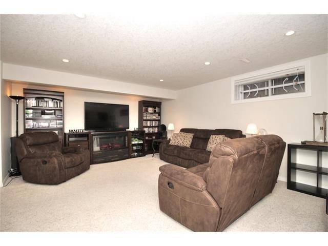 Photo 42: Photos: 30 EVERHOLLOW Heath SW in Calgary: Evergreen House for sale : MLS®# C4068362