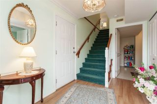 Photo 3: 35676 LEDGEVIEW Drive in Abbotsford: Abbotsford East House for sale : MLS®# R2415873