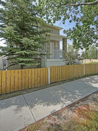 Photo 3: 1103 THORBURN Drive SE: Airdrie House for sale