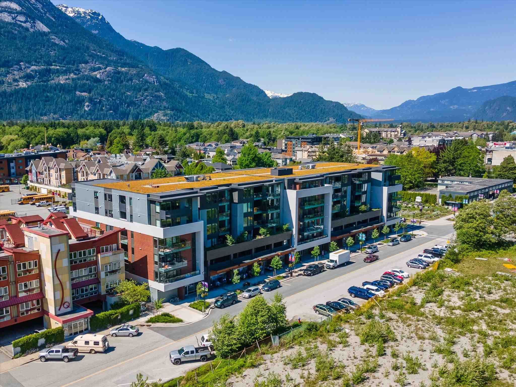 """Main Photo: 306 37881 CLEVELAND Avenue in Squamish: Downtown SQ Condo for sale in """"THE MAIN"""" : MLS®# R2608145"""