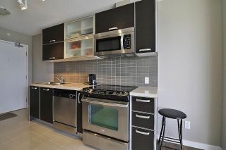 Photo 11: 710 13688 100 AVENUE in Surrey: Whalley Condo for sale (North Surrey)  : MLS®# R2483036