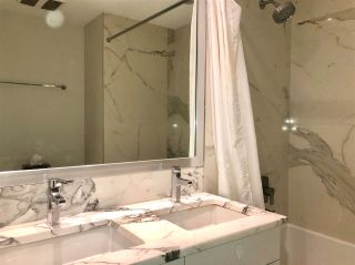 """Photo 11: 2039 W 10TH Avenue in Vancouver: Kitsilano Townhouse for sale in """"WEST 10TH & MAPLE AT ARBUTUS"""" (Vancouver West)  : MLS®# R2472090"""