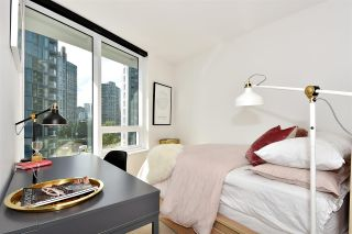 """Photo 10: 710 68 SMITHE Street in Vancouver: Downtown VW Condo for sale in """"ONE PACIFIC"""" (Vancouver West)  : MLS®# R2403870"""