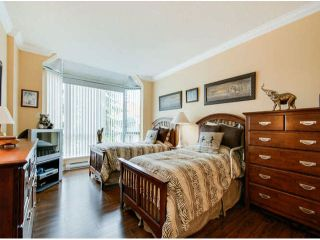 """Photo 11: 404 1785 MARTIN Drive in Surrey: Sunnyside Park Surrey Condo for sale in """"SOUTHWYND"""" (South Surrey White Rock)  : MLS®# F1412611"""