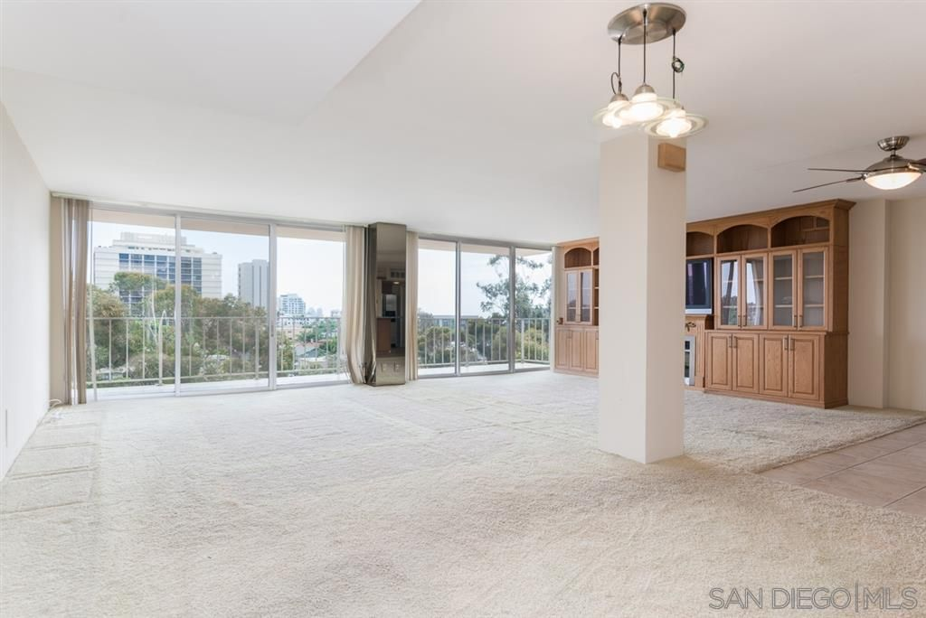 Main Photo: HILLCREST Condo for sale : 3 bedrooms : 3634 7th Avenue #9BC in San Diego
