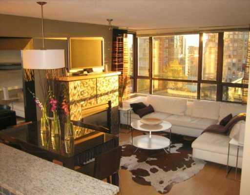 """Main Photo: 1003 PACIFIC Street in Vancouver: West End VW Condo for sale in """"Seastar"""" (Vancouver West)  : MLS®# V616919"""