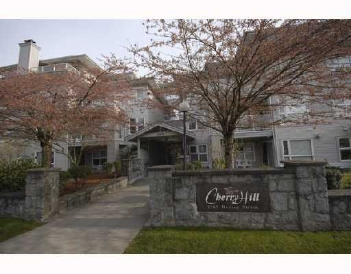 """Main Photo: 302 2965 HORLEY Street in Vancouver: Collingwood VE Condo for sale in """"CHERRY HILL"""" (Vancouver East)  : MLS®# V699854"""