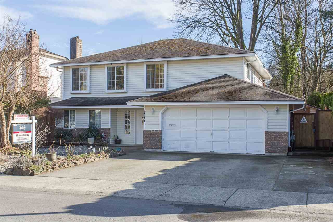 Main Photo: 33224 MEADOWLANDS Avenue in Abbotsford: Central Abbotsford House for sale : MLS®# R2247583