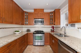 Photo 2: 1757 LAKEWOOD DRIVE in Vancouver: Grandview VE 1/2 Duplex for sale (Vancouver East)  : MLS®# R2096548