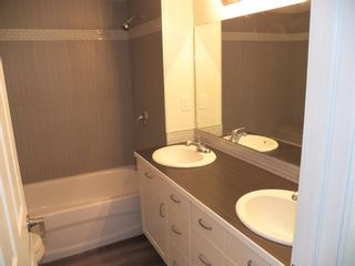 Photo 8: 257 LEE_RIDGE Road NW in Edmonton: Zone 29 House for sale : MLS®# E4248957